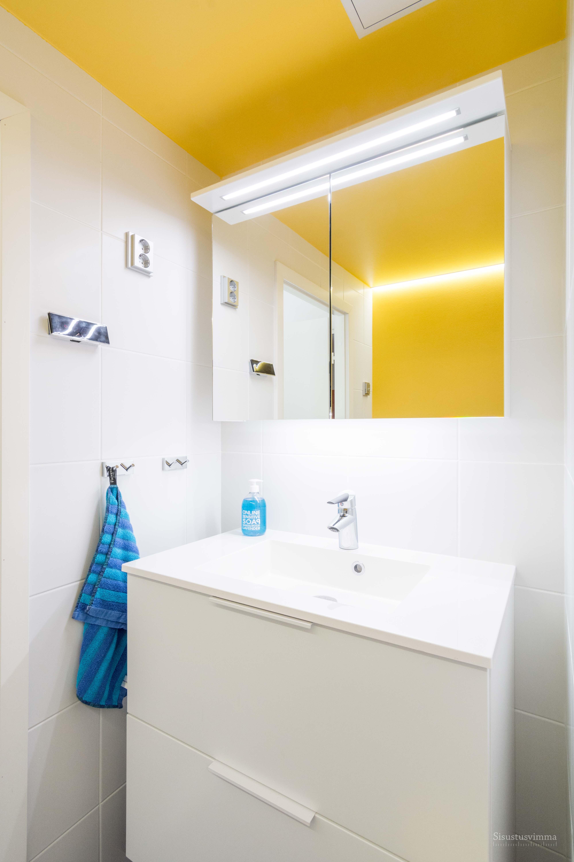 18-3 Kylpyhuone epasuora valo