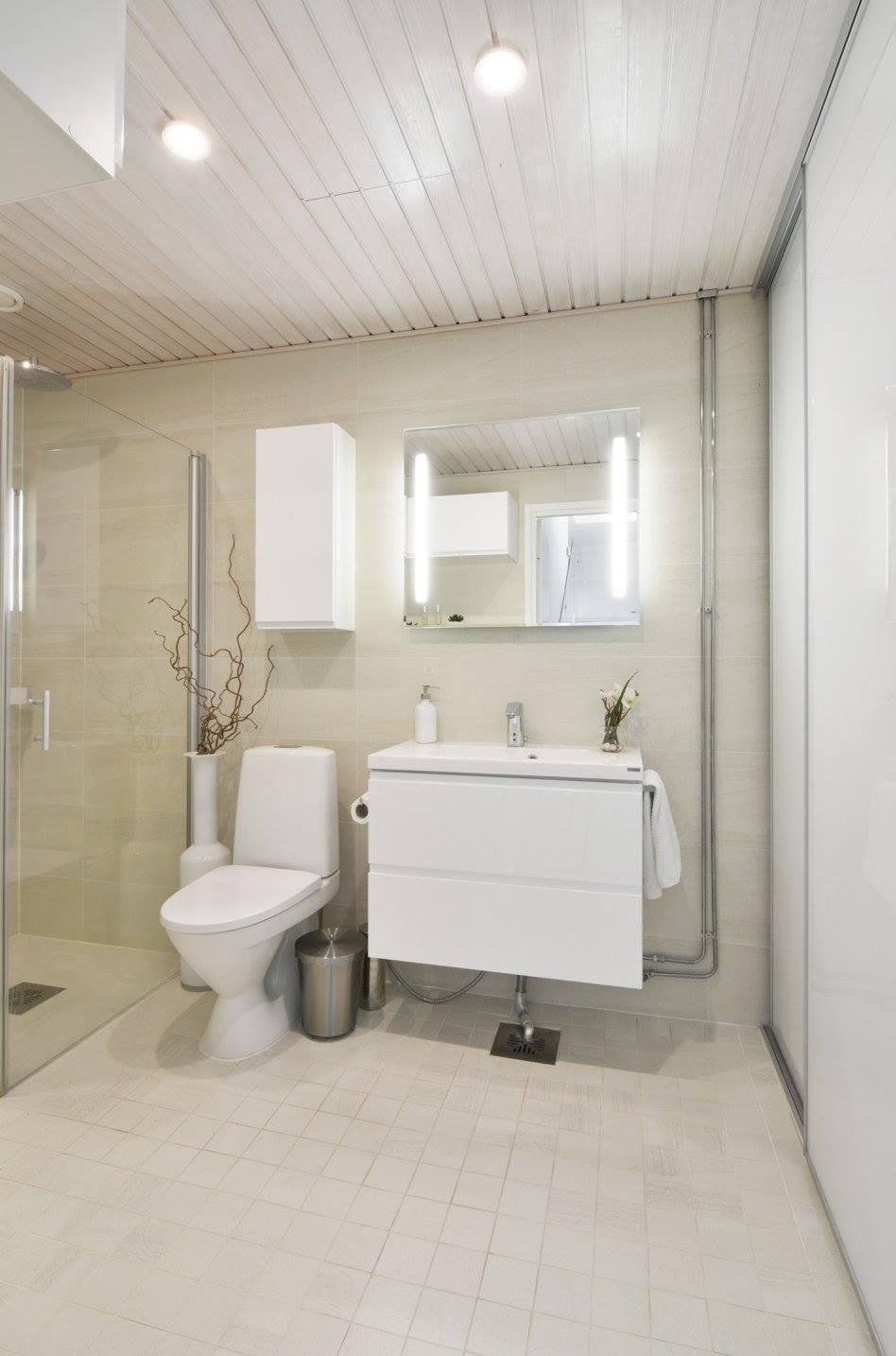 hotellitunnelmaa-kerrostalokotiin-kylpyhuone-ja-wc